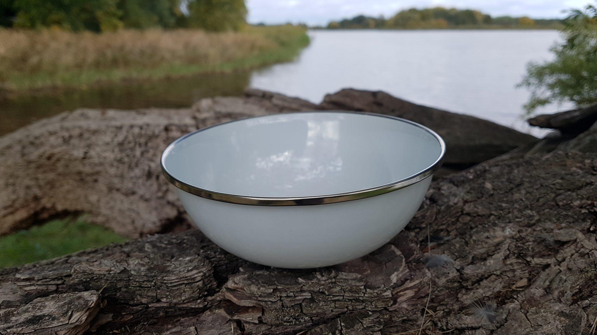 Emaille Suppenschüssel von Willi-Wood in Weiß